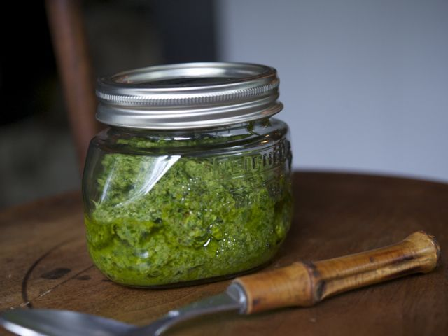 Jar of pesto 790 xxx